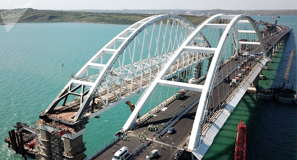 Pont de Crimée: la Russie bafoue le droit international (PM ukrainien)
