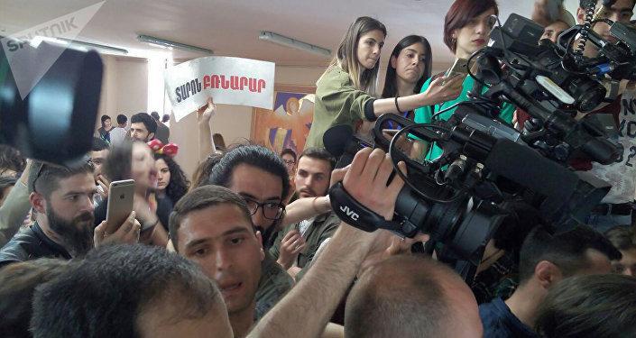 Le Premier ministre arménien Nikol Pachinian a annoncé sa démission