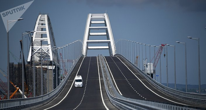 Crimean bridge opens for automobile transport