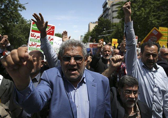 Les Iraniens dans la rue pour protester contre la décision de Donald Trump de se retirer de l'accord nucléaire