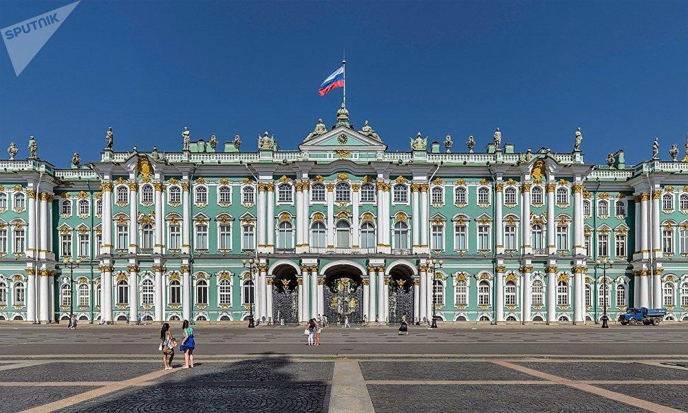 Le palais d'Hiver à Saint-Pétersbourg