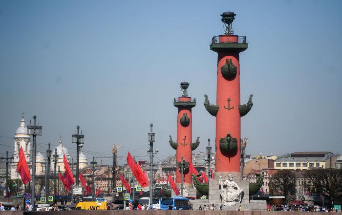 Colonnes rostrales de Saint-Pétersbourg.