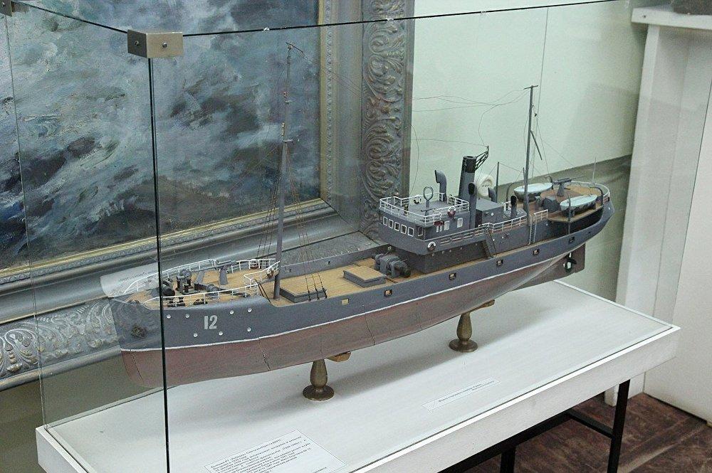 Le modèle du navire Tuman dans le musée de la Flotte du Nord