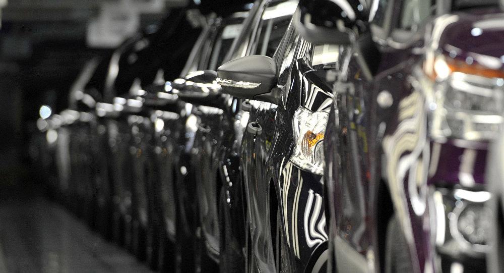 Sanctions américaines : le groupe automobile PSA prépare son retrait d'Iran