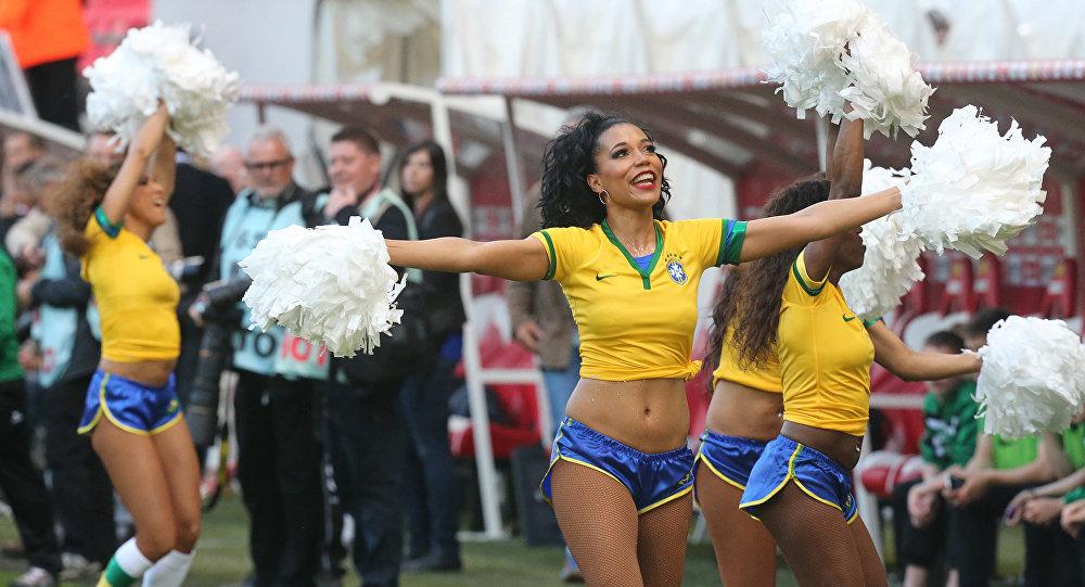 Pom-pom girls brésiliennes