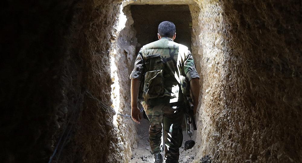 Un tunnel construit par des radicaux syriens