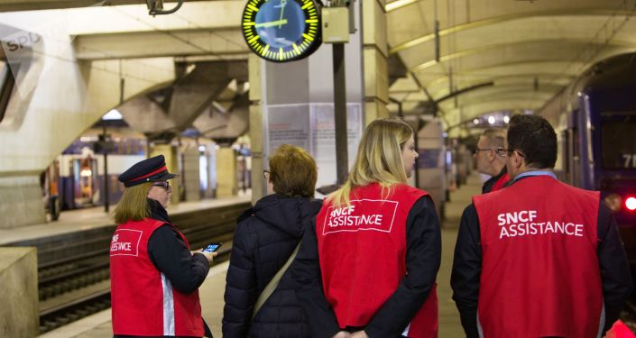 Employés de la SNCF, gare de Paris-Montparnasse