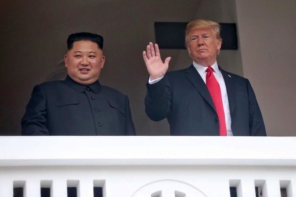 Les moments clé de la rencontre historique entre les dirigeants nord-coréen et américain