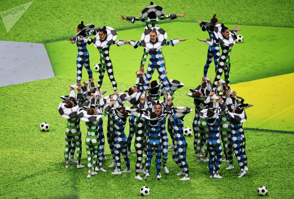 Les matchs de la Coupe du Monde de football se dérouleront dans 12 stades dans 11 villes russes: Moscou, Saint-Pétersbourg, Samara, Saransk, Rostov-sur-le-Don, Sotchi, Kazan, Kaliningrad, Volgograd, Nijni Novgorod et Ekaterinbourg.