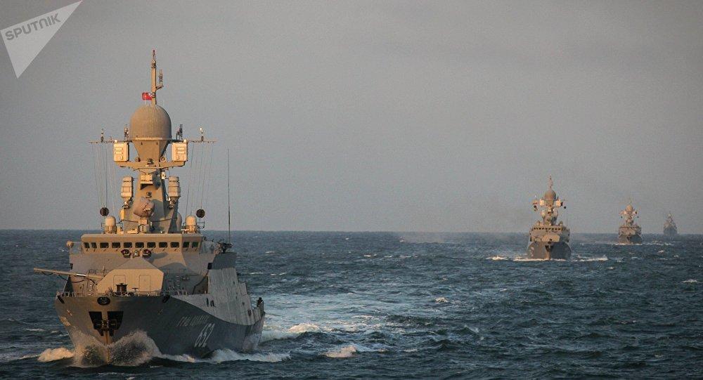 Des manoeuvres de la Flottille de la Caspienne