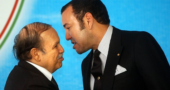 Le Président algérien Abdelaziz Bouteflika et le roi du Maroc Mohammed VI