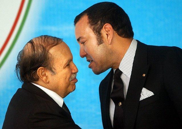 Le Président Abdelaziz Bouteflika et le roi Mohammed VI du Maroc