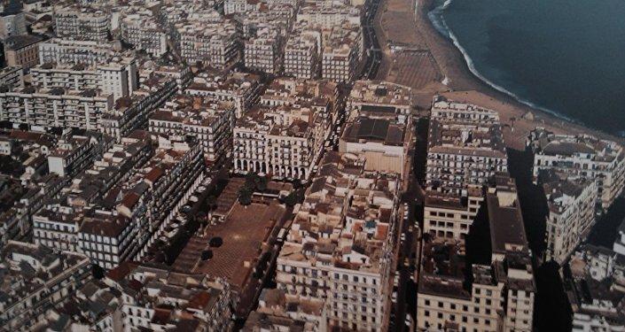 Vue aérienne du quartier de Bab El Oued à Alger capitale du pays.