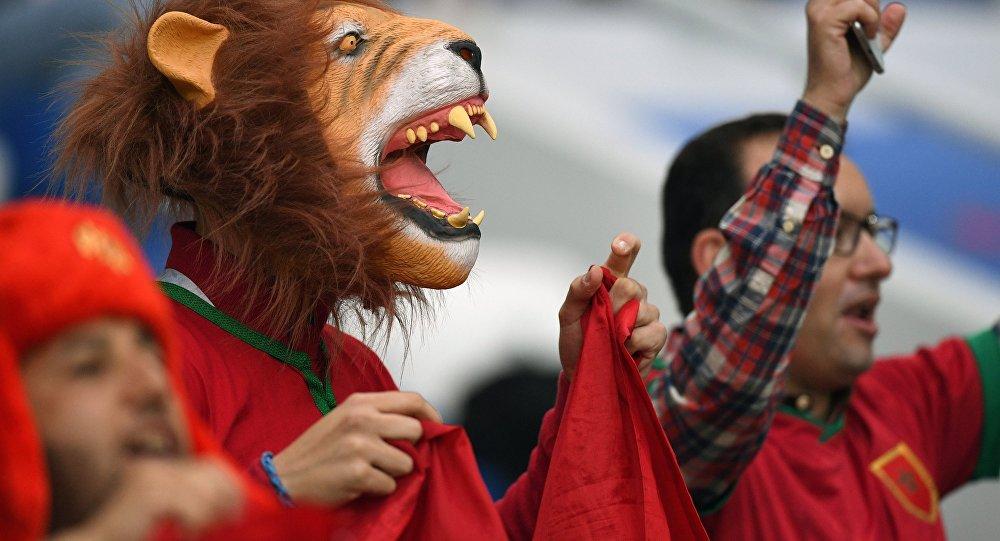 Des supporters marocains avant le match contre l'Espagne