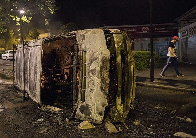 Affrontements à Nantes suite au décès d'un jeune lors d'un contrôle policier