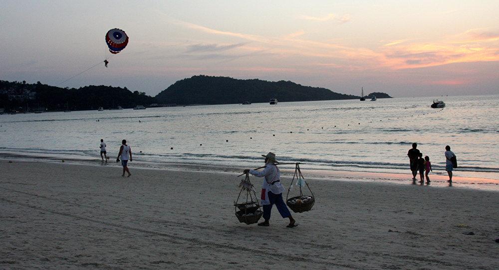 Naufrage en Thaïlande: 21 morts retrouvés, d'autres corps vus dans l'épave