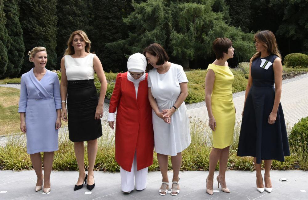 Le club des Premières dames au sommet de l'Otan à Bruxelles