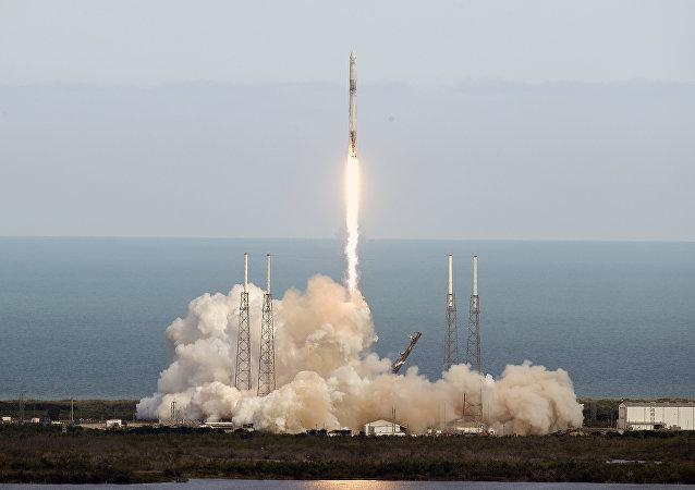 Le SpaceX Falcon 9 au cap canaveral le 2 avril 2018