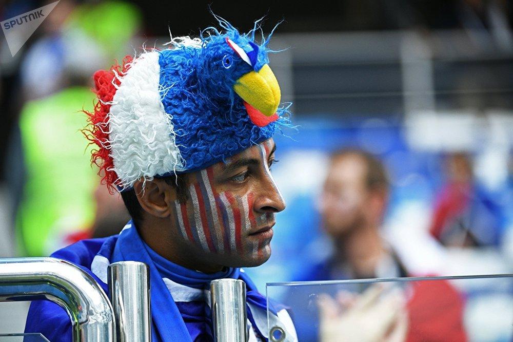 Un supporter français avant le match France-Uruguay à Nijni Novgorod