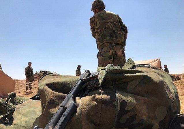 L'armée syrienne près de la frontière jordanienne dans la province de Deraa
