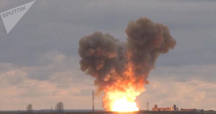 Lancement du nouveau missile hypersonique russe Avangard