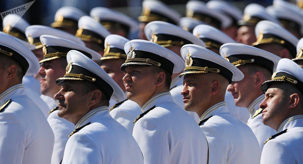 défilé maritime à Saint-Pétersbourg