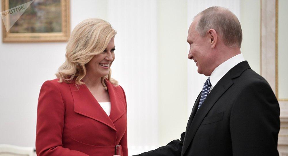 Kolinda Grabar-Kitarovic et Vladimir Poutine
