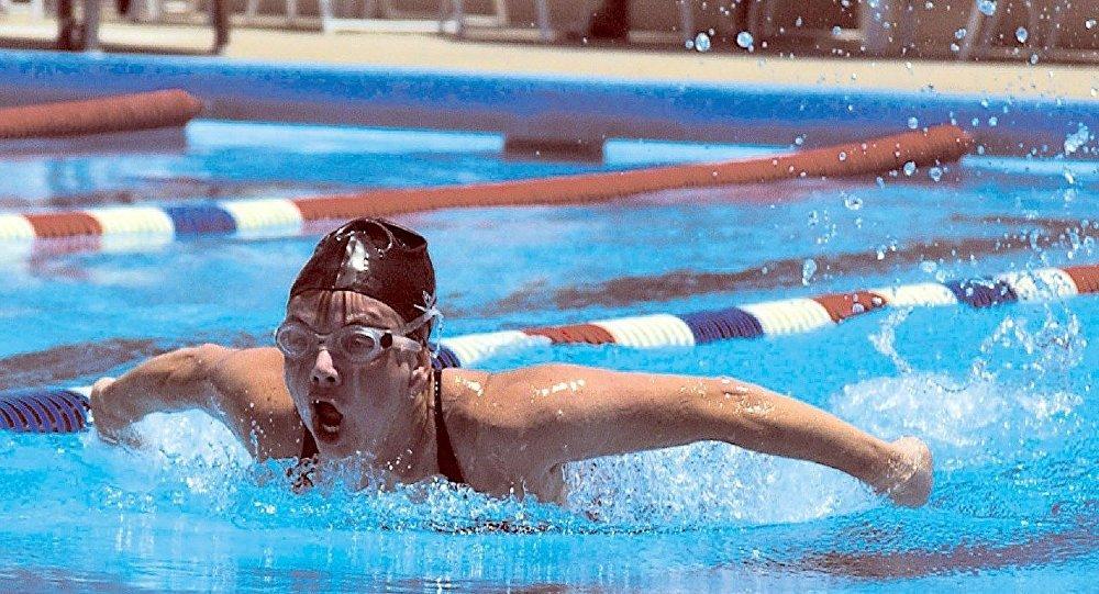Clark Kent pulvérise un record détenu par Michael Phelps | Sports aquatiques