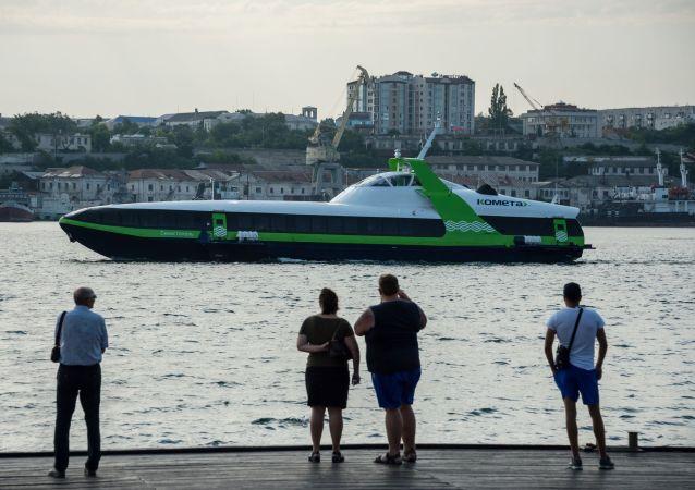 De Sébastopol à Yalta par la voie maritime