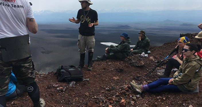 Ours et volcans, le périlleux voyage d'une jeune Moscovite au Kamchatka