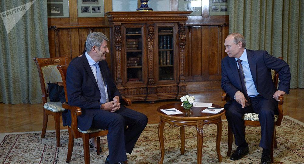 Philippe de Villiers et Vladimir Poutine