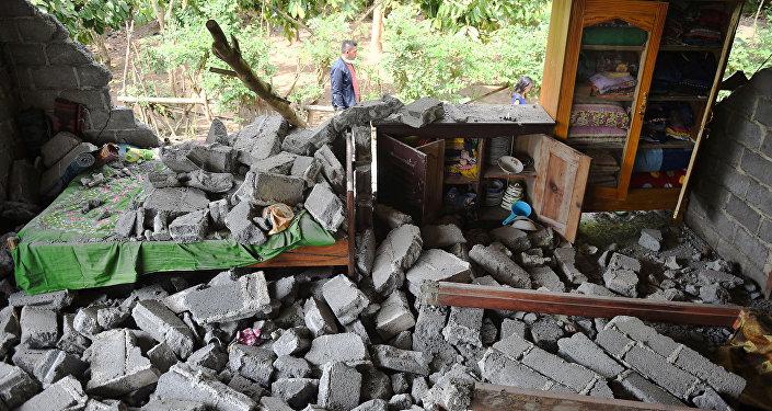 Pendant que l'on dort: le séisme meurtrier en Indonésie en images