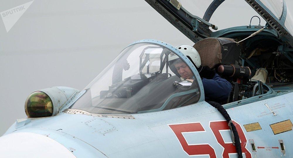 Quatre chasseurs russes interceptent des avions et un drone US au sud et au nord-est de la Russie