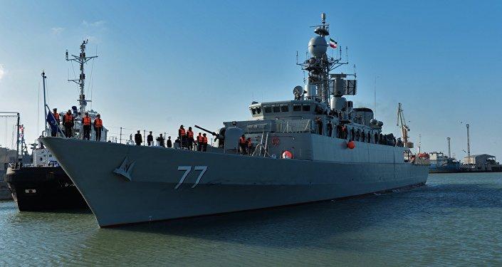 Le destroyer iranien Damavand