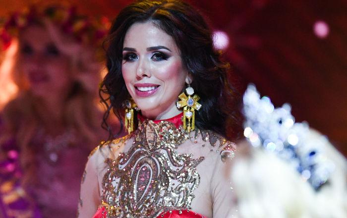Anna Téléguina, qui a gagné la finale du concours de beauté national Madame Russie 2018 dans la salle de concert Planeta KVN à Moscou.
