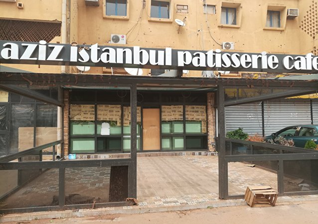 Façade du restaurant turc Aziz Istanbul, objet d'une attaque terroriste le 13 août 2017. Juin 2018