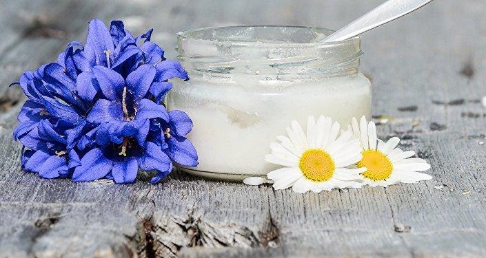 L'huile de noix de coco (image d'illustration)