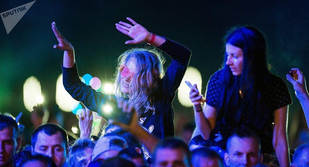 Une foule au concert