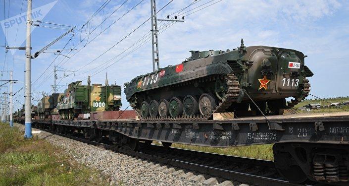 Des trains de transport de troupes et d'équipements de l'armée chinoise, qui participera aux exercices militaires Vostok-2018, sont arrivés à la gare de déchargement de Zabaïkalsk