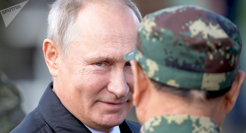 Vladimir Poutine rappelle l'attitude de la Russie face à la guerre