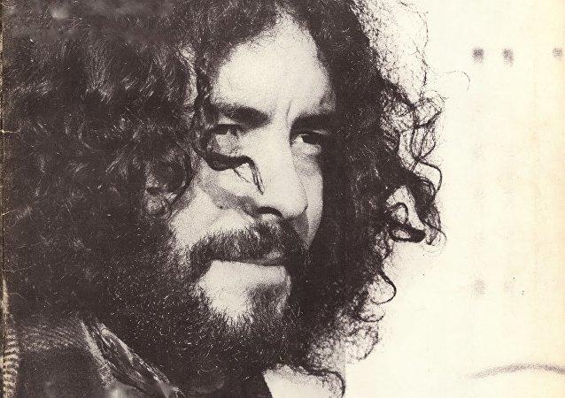 Djamel Allam, chanteur kabyle d'expression kabyle