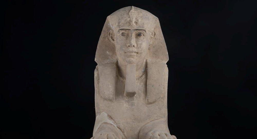Un sphinx superbement conservé vieux de 2.000 ans découvert en Égypte