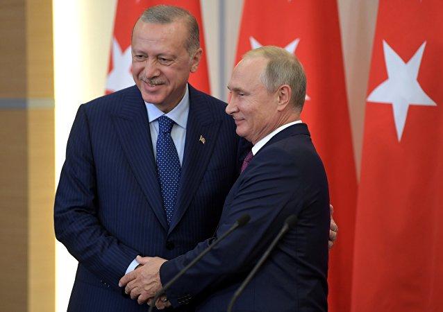 Les présidents de la Russie et de la Turquie. Le sommet s'est tenu à Sotchi ce lundi 17 septembre.