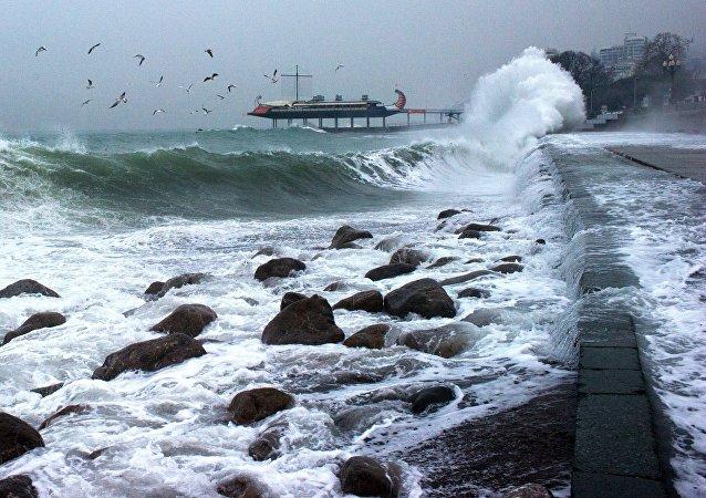 La tempête en Crimée, voisine du territoire de Krasnodar