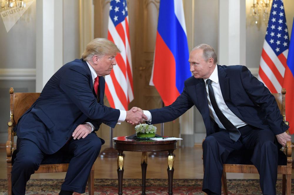 Anniversaire de Vladimir Poutine: les photos qui ont marqué l'année écoulée
