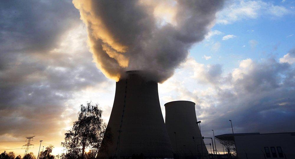 la centrale nucléaire de Nogent-sur-Seine dans l'Aube