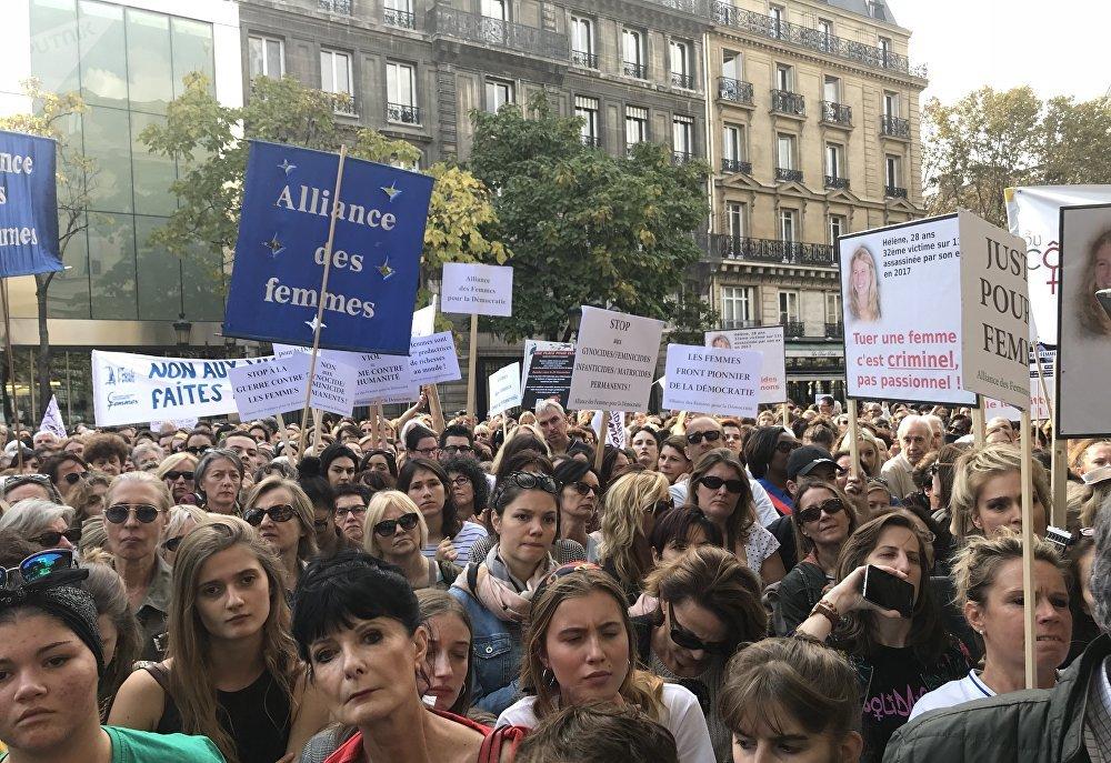 Un millier de personnes à Paris contre les violences faites aux femmes