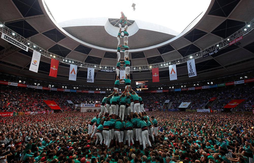 Concours de pyramides humaines en Espagne