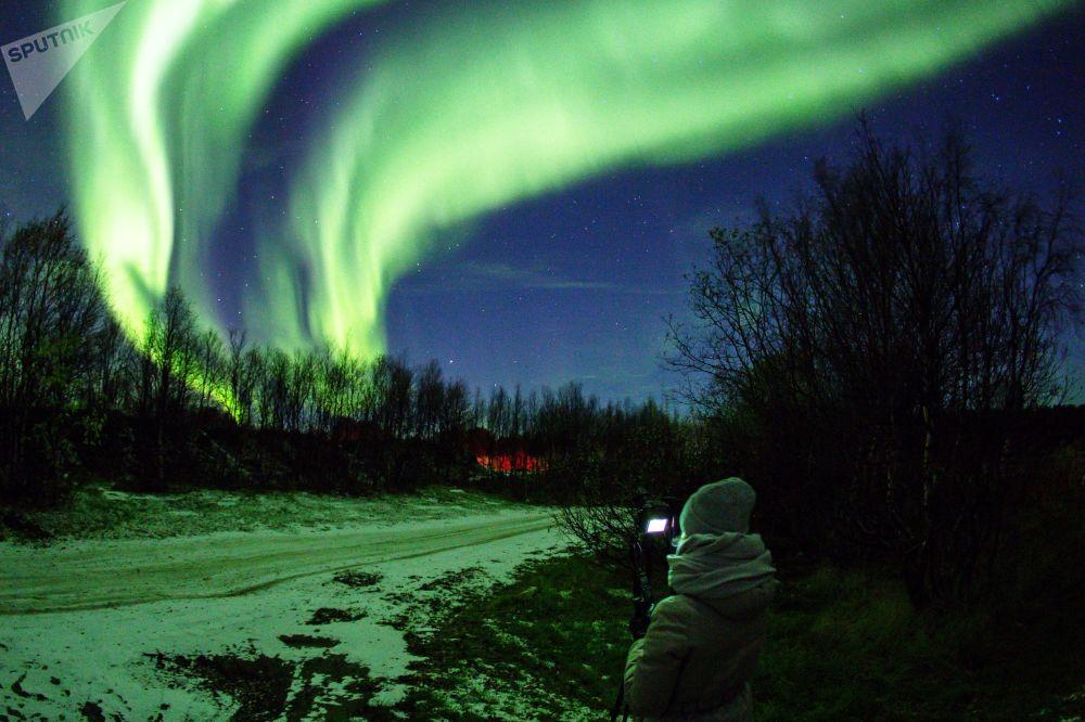 Les «aquarelles du Nord»: Aurores boréales dans la région de Mourmansk