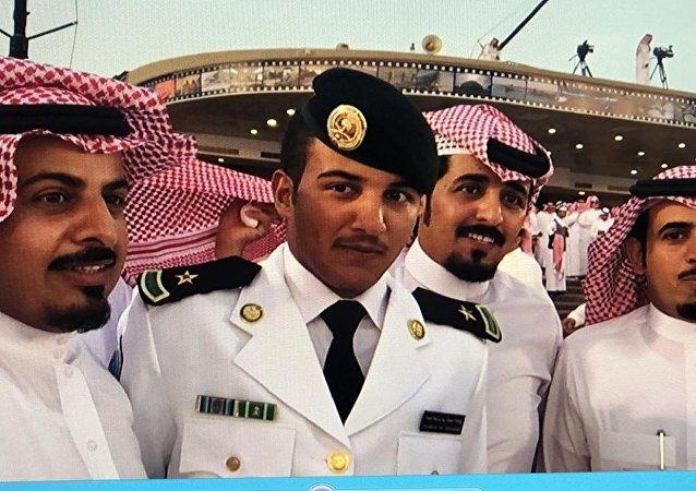 Abdel Aziz Shabib al-Balawi (le deuxième à gauche)